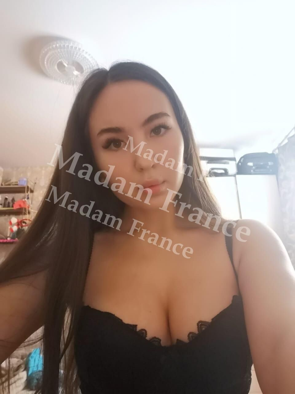 Dory model on Madam France escort service