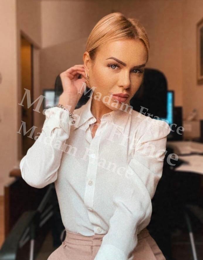 Angela model on Madam France escort service