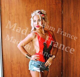 Isobel model on Madam France escort service