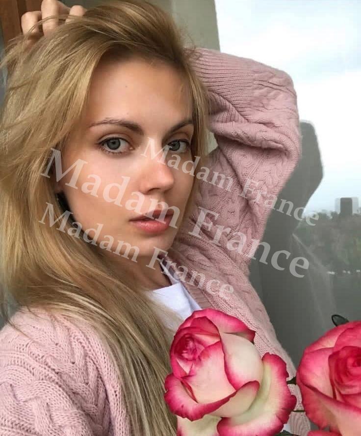 Annika model on Madam France escort service