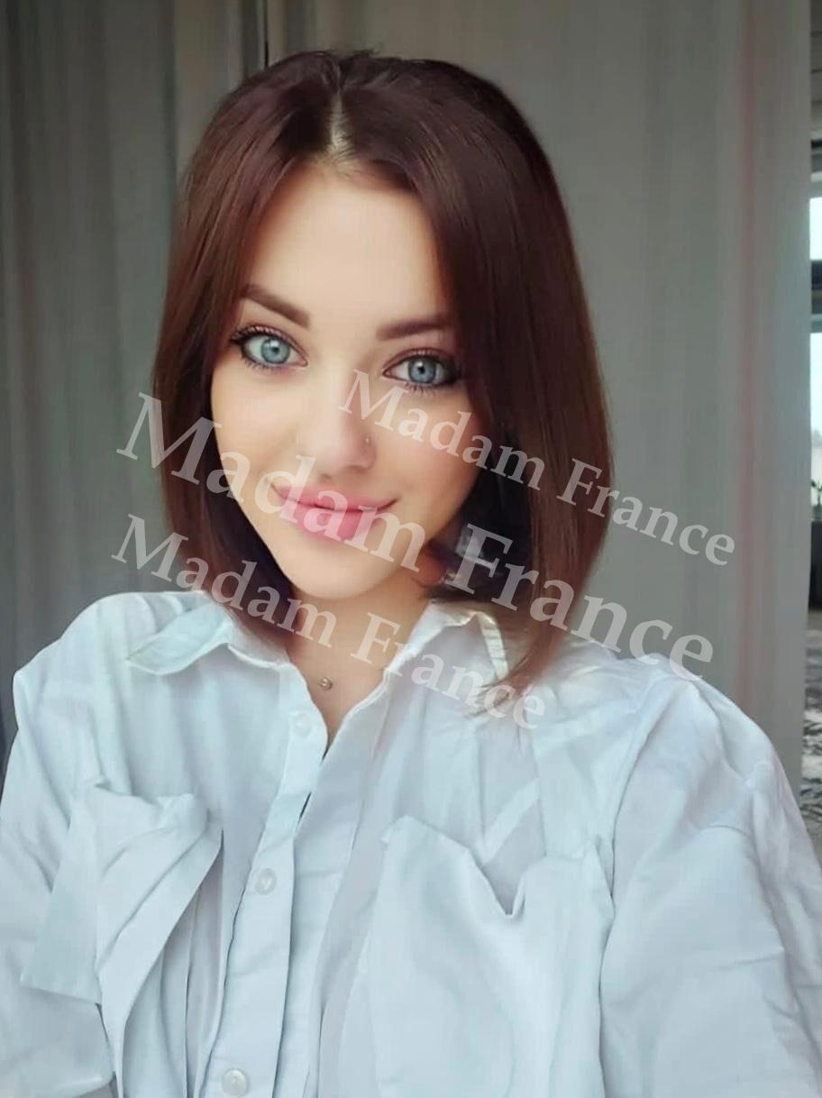 Nuari model on Madam France escort service