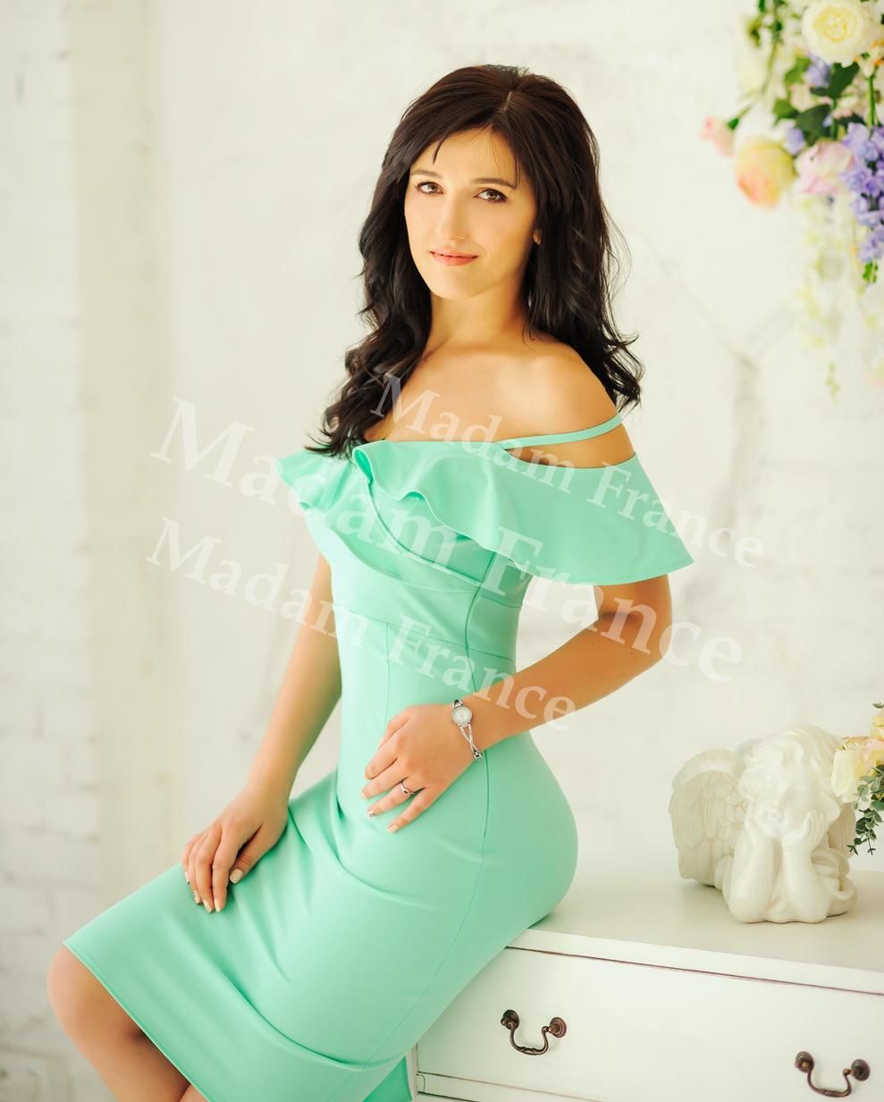 Regina model on Madam France escort service