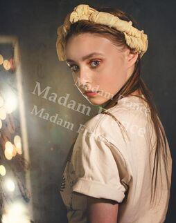 Model Laisa on Madam