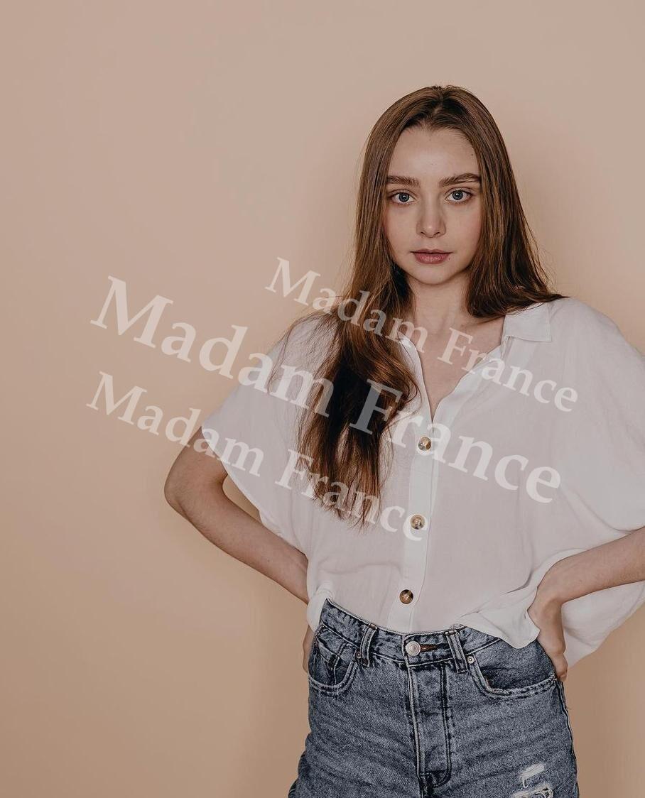 Laisa model on Madam France escort service