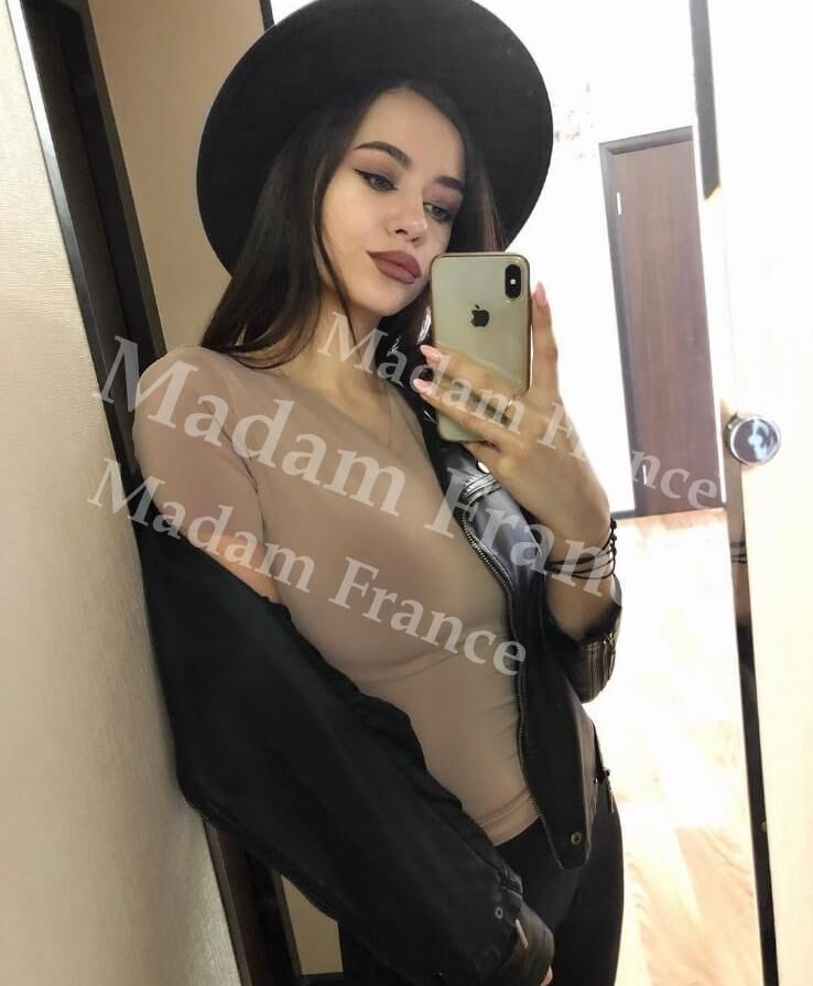 Korina model on Madam France escort service