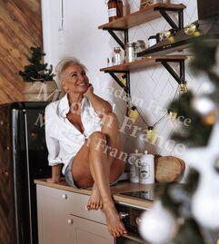 Model Vaera on Madam