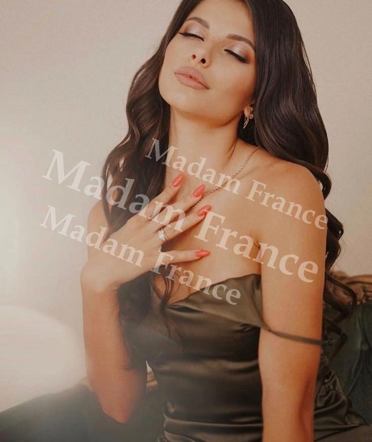 Stone model on Madam France escort service