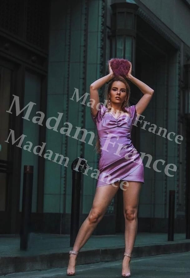 Shick model on Madam France escort service