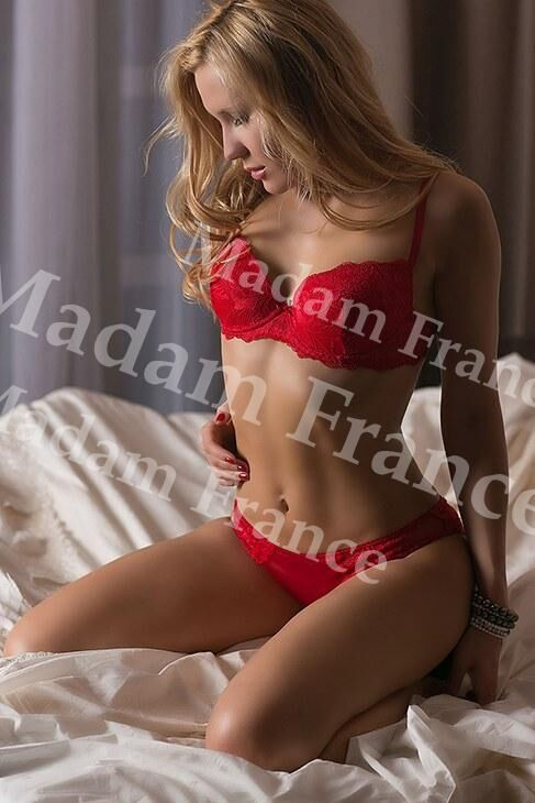 Hazel model on Madam France escort service