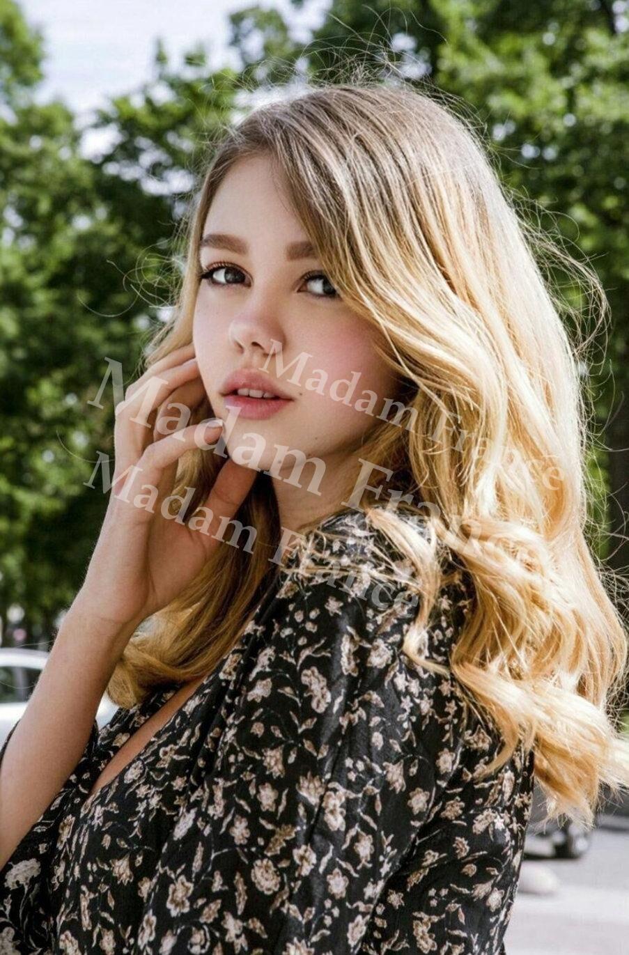 Blondy model on Madam France escort service