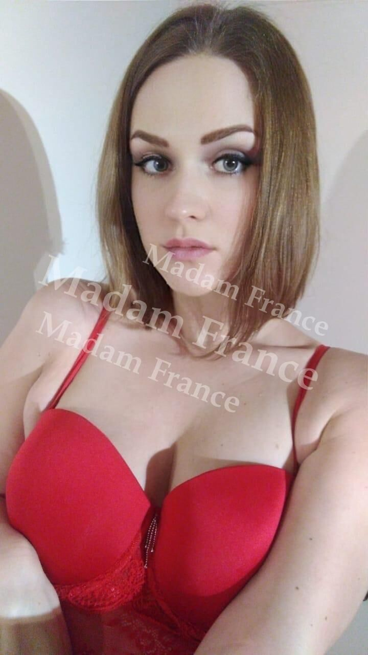 Gabby model on Madam France escort service