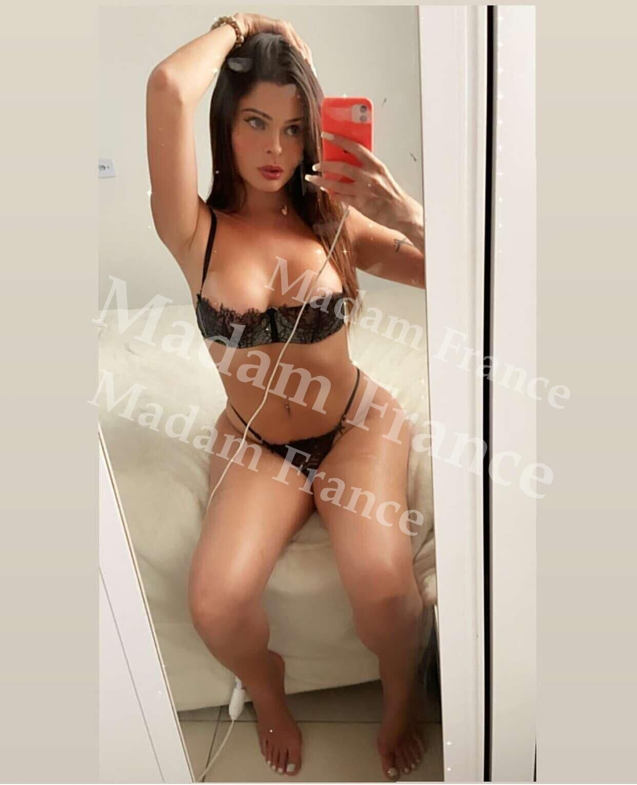 Top100 model on Madam France escort service