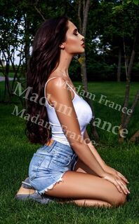 Model Chantelle on Madam