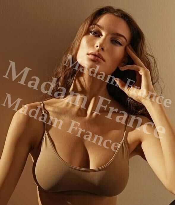 Kuala model on Madam France escort service
