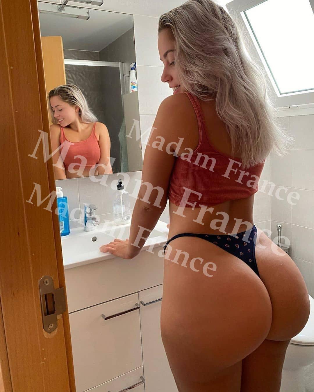 justinee model on Madam France escort service