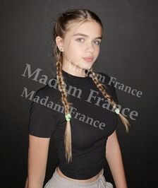 Model Seta on Madam