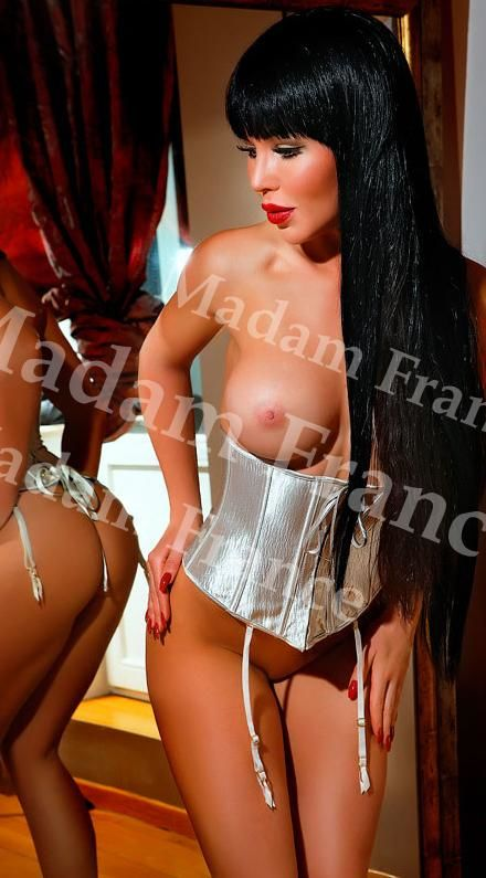 Pauli model on Madam France escort service