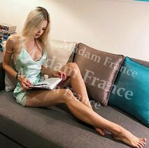 Model Sofa on Madam