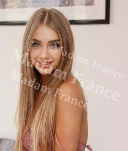 Model Nina_paris on Madam