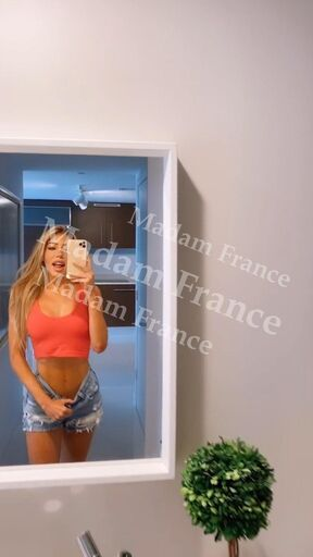 Model Hélène on Madam