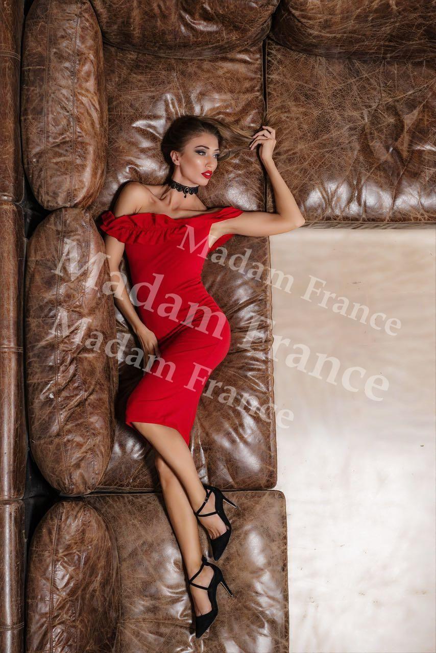 Ladna model on Madam France escort service