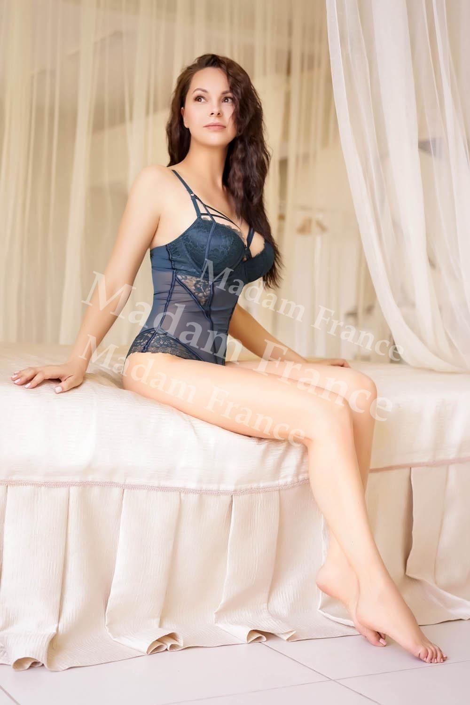 Eveline photo on Madam France