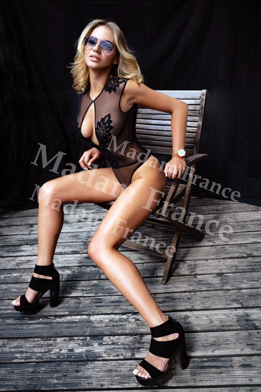 Hotela model on Madam France escort service