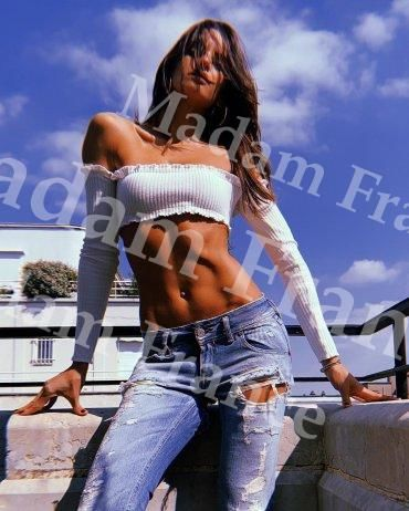 Sophia model on Madam France escort service