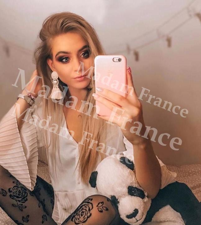 Nadiya main photo on Madam France