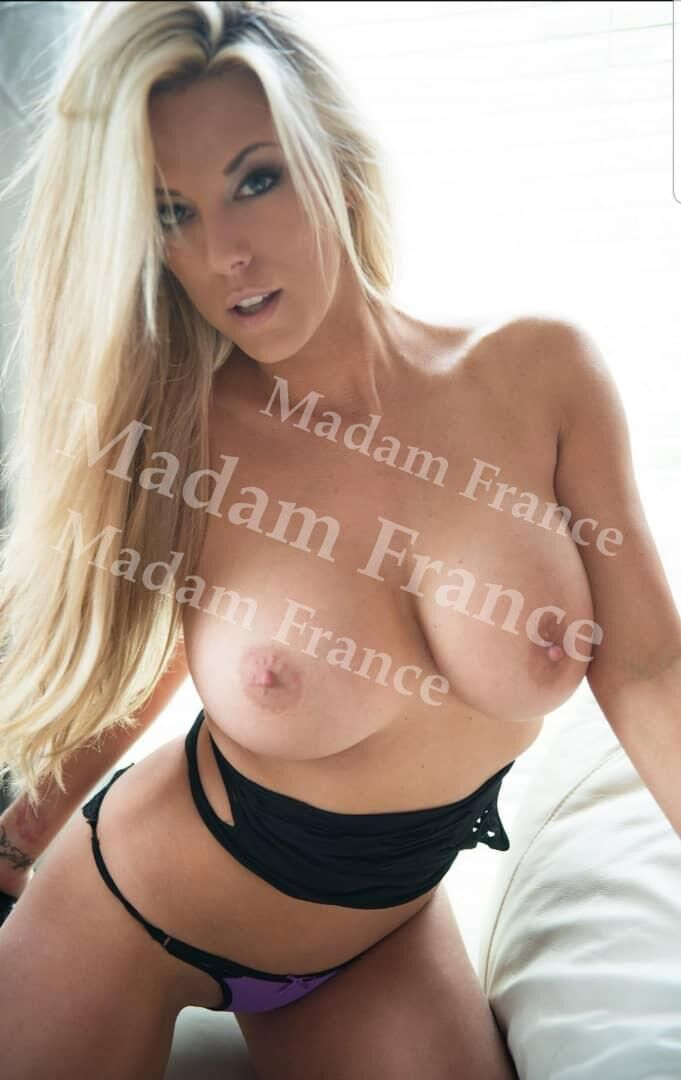 Rachelle model on Madam France escort service