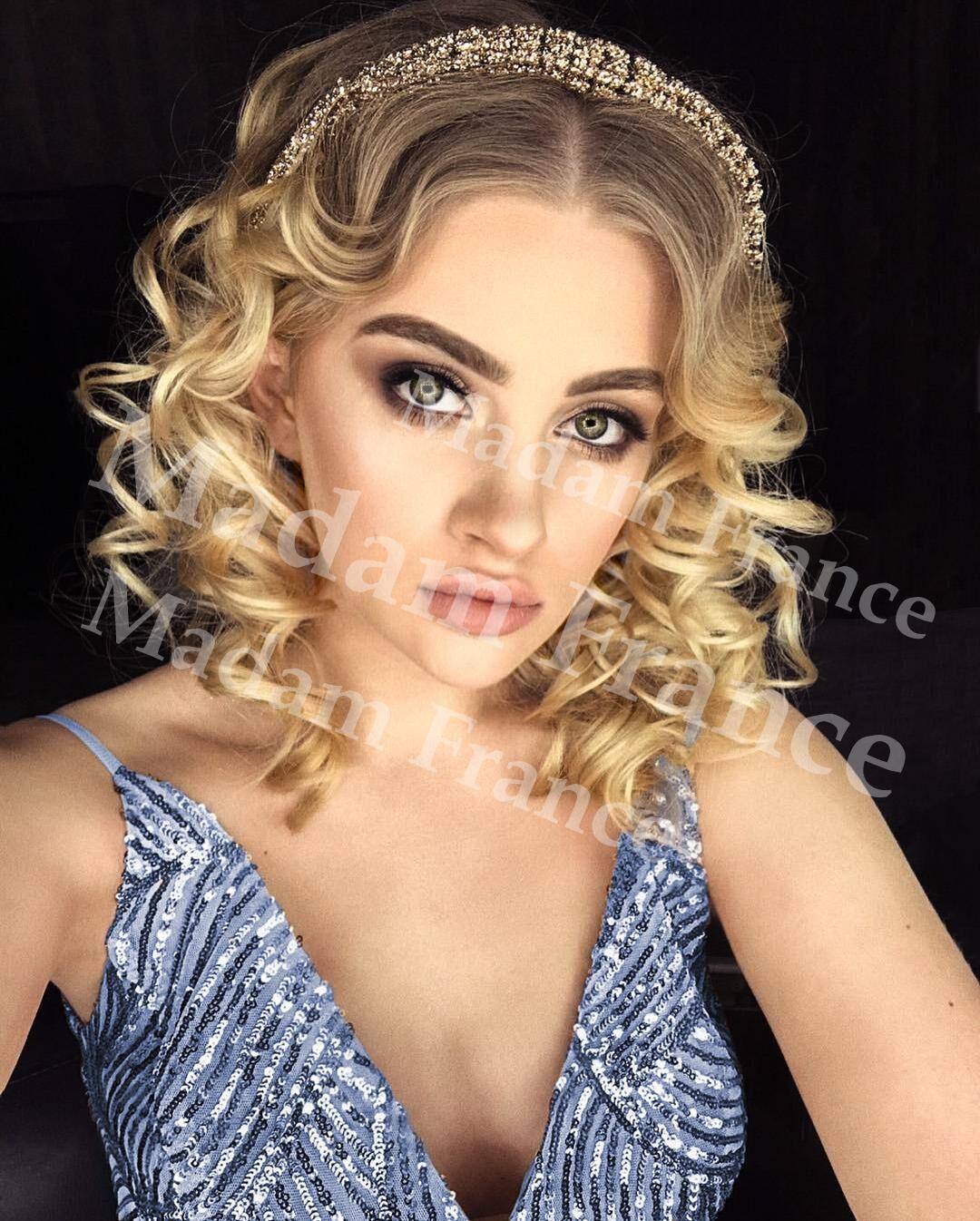 Joanna model on Madam France escort service