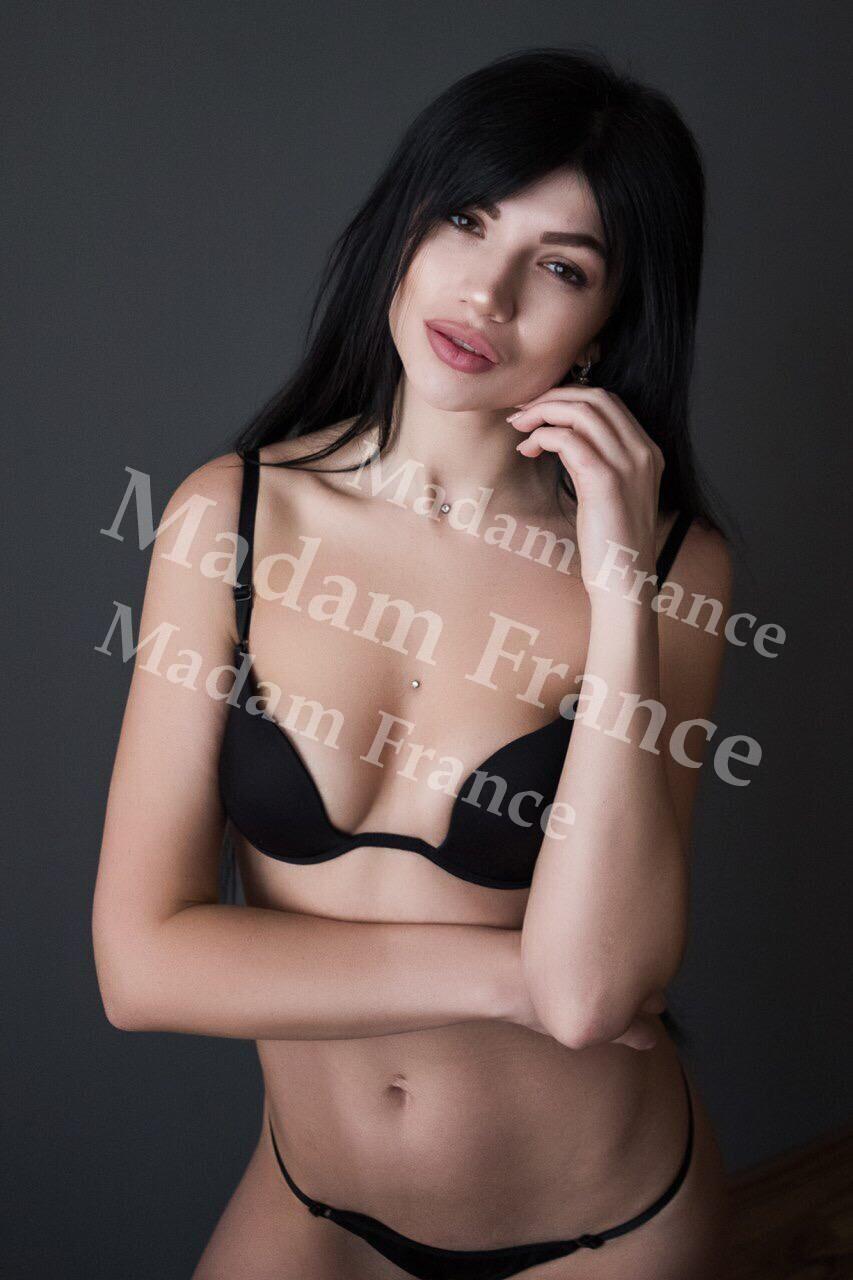 Lavinia model on Madam France escort service