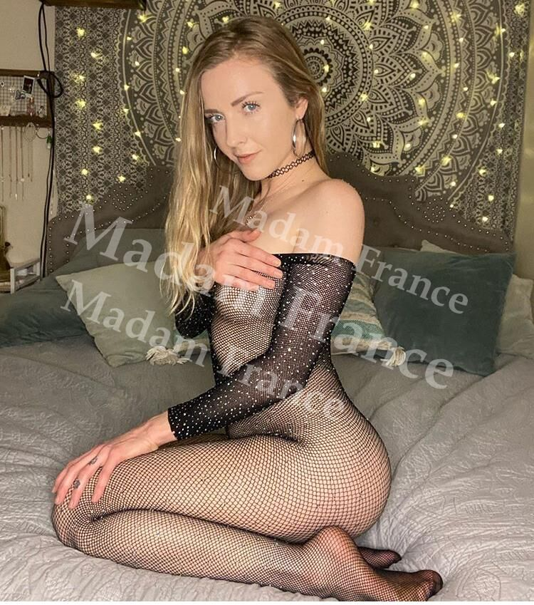 Pascaline1 model on Madam France escort service